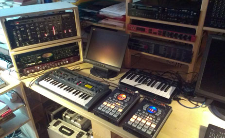 Sampler, Preamps, Synthesizer